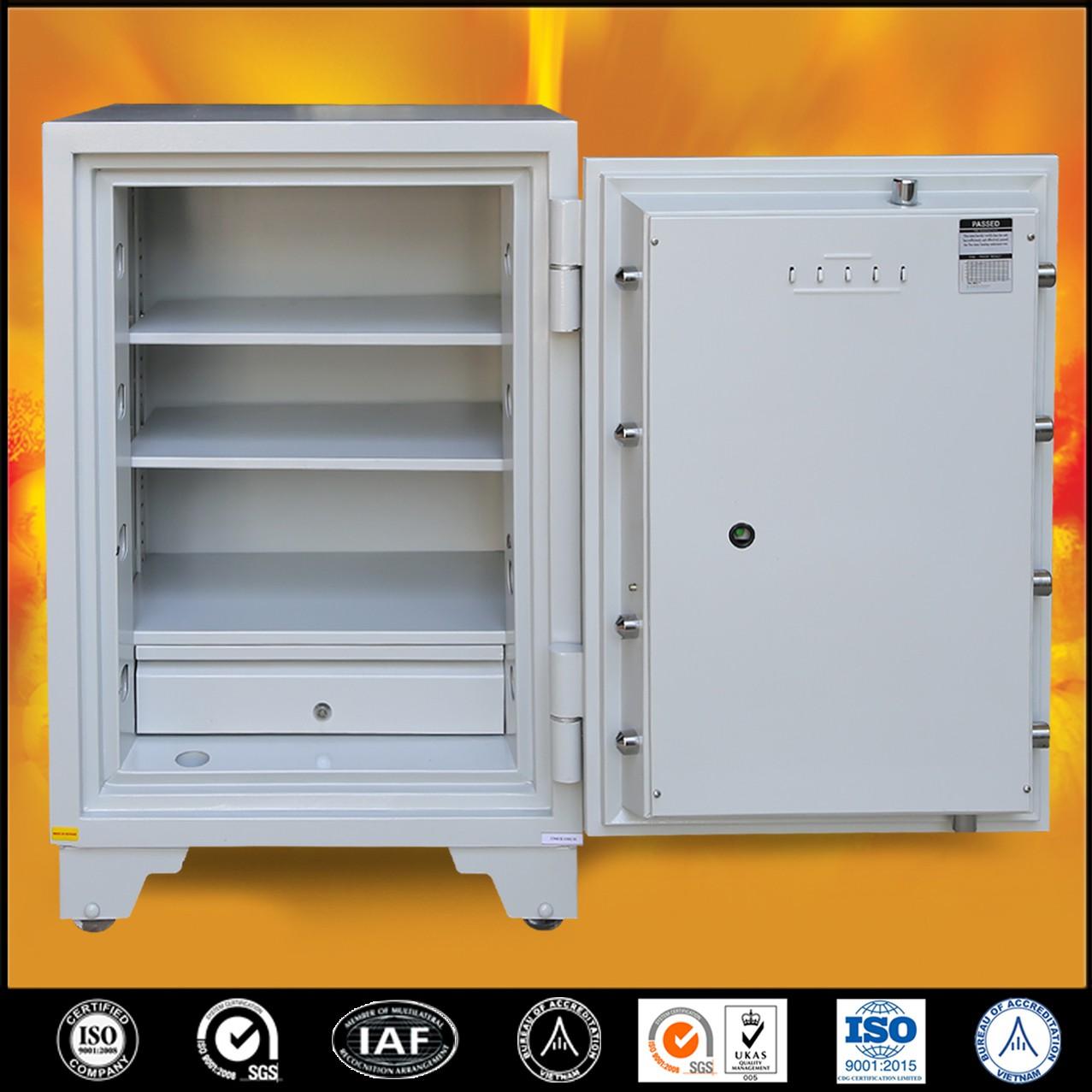 FIREPROOF VAULT DOORS