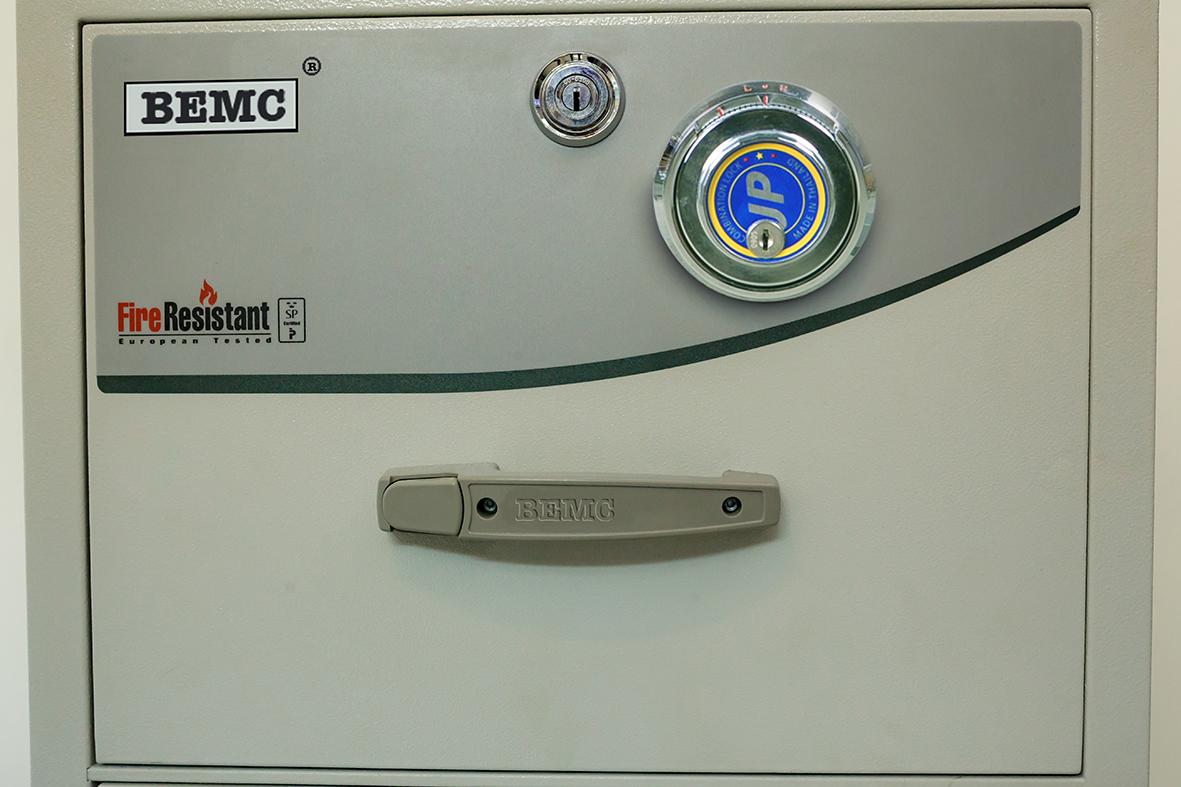đặc điểm sản phẩm Tủ sắt chống cháy 3 ngăn