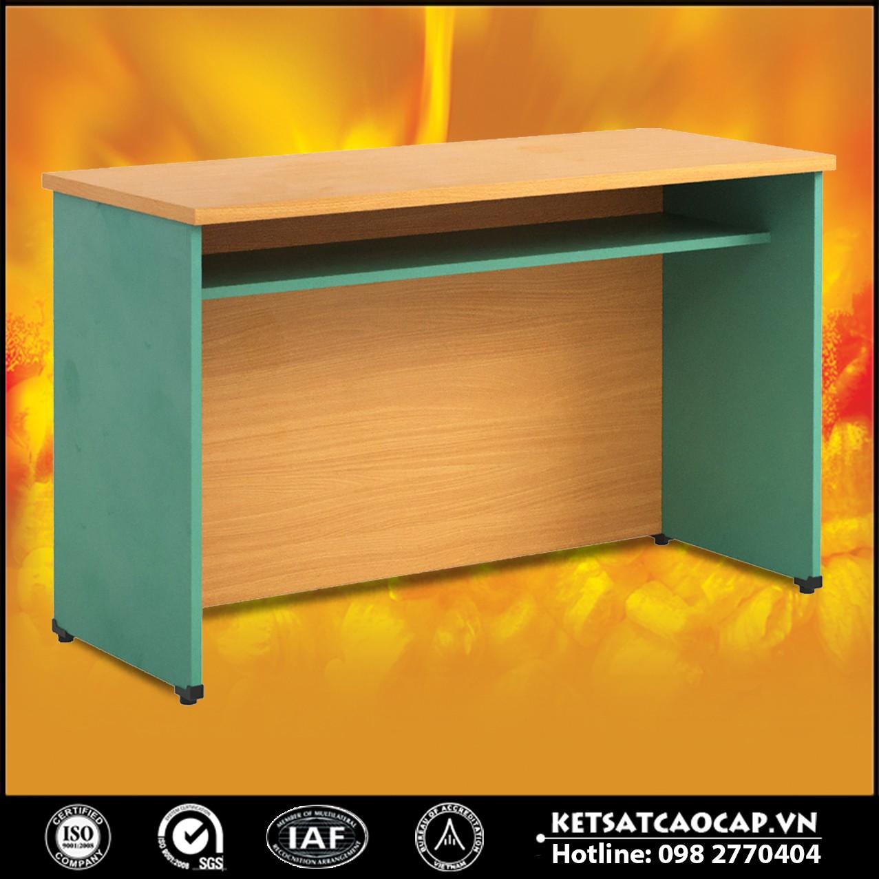 Một số mẫu bàn hội trường bằng gỗ tự nhiên giá rẻ